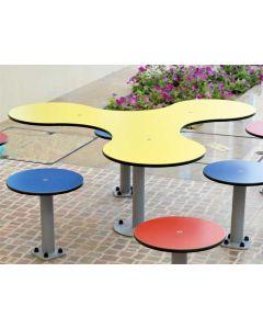 Kleeblatt-Tisch für Bodenmontage, Außenbereich